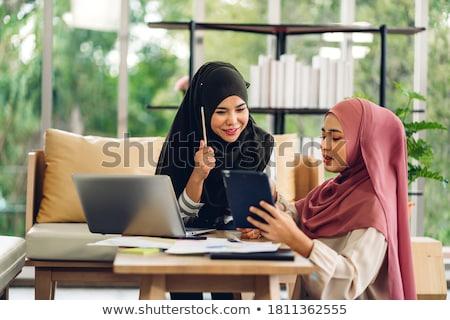 vrouw · vergadering · home · gelukkig · portret - stockfoto © monkey_business