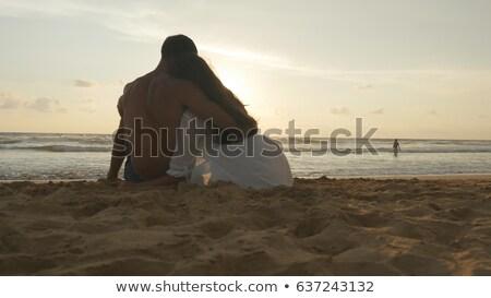 aşıklar · oturma · kum · plaj · kadın · kız - stok fotoğraf © wavebreak_media
