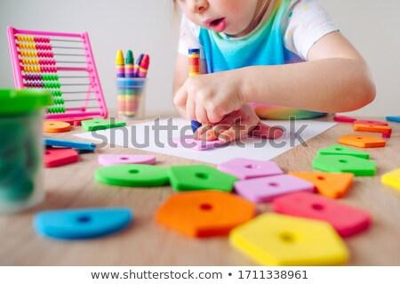 Młoda dziewczyna wosk kredki dziewczyna zabawy portret Zdjęcia stock © photography33