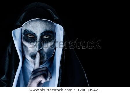 ijesztő · gonosz · apáca · kérdez · csend · közelkép - stock fotó © nito