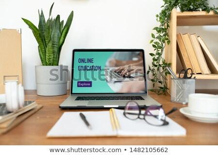 Laptop egyéb készlet szükséges sikeres munka Stock fotó © pressmaster