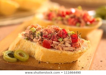 voorgerechten · ruw · tonijn · baguette · boven - stockfoto © ildi