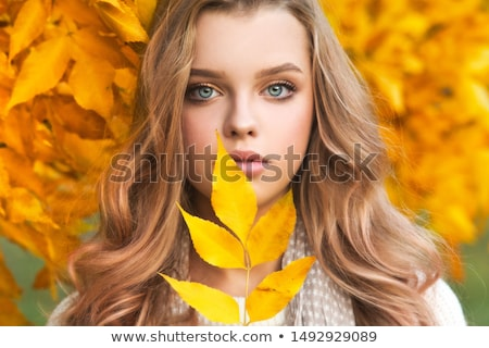 moda · kız · sarı · portre - stok fotoğraf © carlodapino