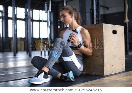 美男子 強健的身體 健身 行使 健康 健身房 商業照片 © Nejron