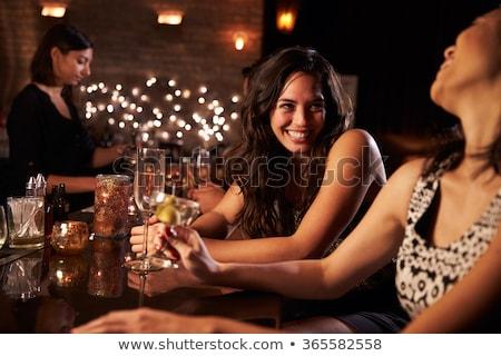 mujer · potable · cóctel · discoteca · mujer · hermosa · nina - foto stock © ssuaphoto