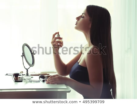 Kobieta perfum piękna close-up Zdjęcia stock © IS2