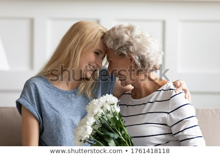 Hartelijk moeder dochter home meisje Stockfoto © dacasdo