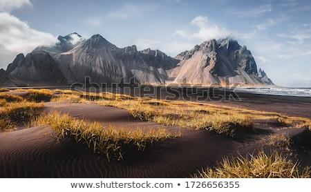 Pittoreske berg landschap bewolkt hemel bergen Stockfoto © alinamd