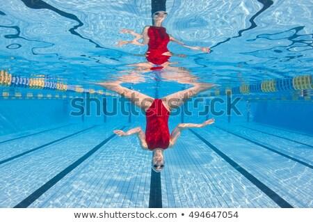 Portret meisje ondersteboven onderwater leuk vrijheid Stockfoto © IS2