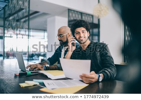 man · praten · mobiele · telefoon · lezing · home - stockfoto © monkey_business