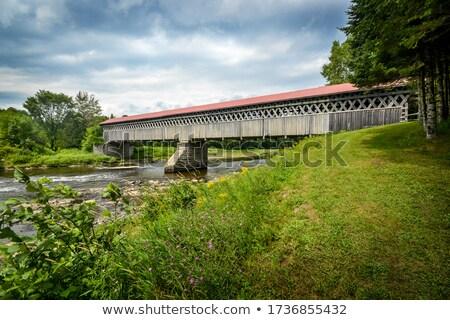 Pokryty most drewna dating Quebec Kanada Zdjęcia stock © flariv