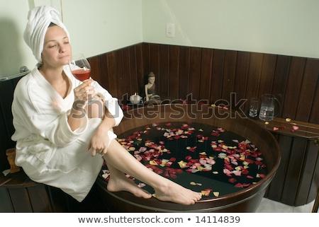 mulher · banho · toalha · branco - foto stock © dash