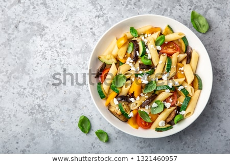 Pâtes salade courgette tomate déjeuner Photo stock © M-studio