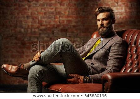 肖像 快樂 男子 毛線衣 圍巾 常設 商業照片 © deandrobot
