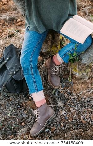 nő · ül · fa · olvas · könyv · park - stock fotó © robuart