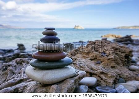 piramide · ciottoli · spiaggia · panorama · mare · blu - foto d'archivio © tilo