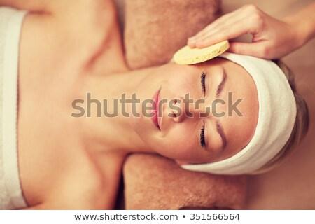 Foto stock: Mãos · faxineira · cara · da · mulher · esponja · ver · cara
