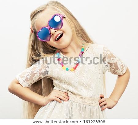 Portret meisje zonnebril elegante charmant cute Stockfoto © O_Lypa
