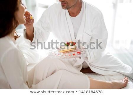 Hombre esposa primer plano sonriendo restaurante Foto stock © Kzenon