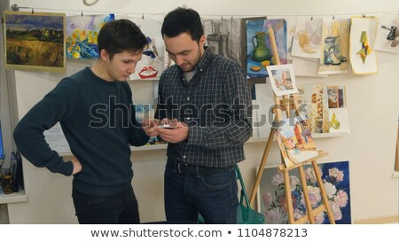 Masculino pintor telefone móvel oficina homem estilo de vida Foto stock © wavebreak_media