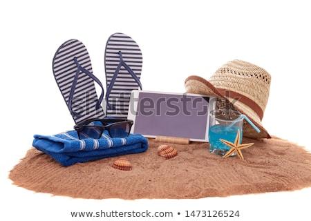 Táblagép papucs tengerparti homok technológia vakáció nyár Stock fotó © dolgachov