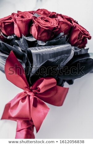 Luxe bouquet corail roses marbre belle Photo stock © Anneleven
