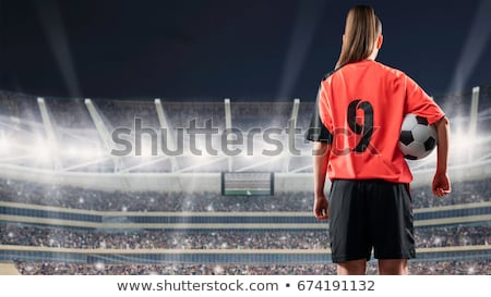 joven · balón · de · fútbol · pie · vertical · foto · blanco - foto stock © smithore