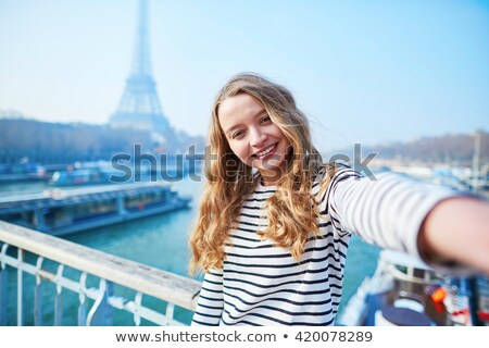 genç · kadın · bavul · Paris · örnek · vektör · format - stok fotoğraf © urchenkojulia