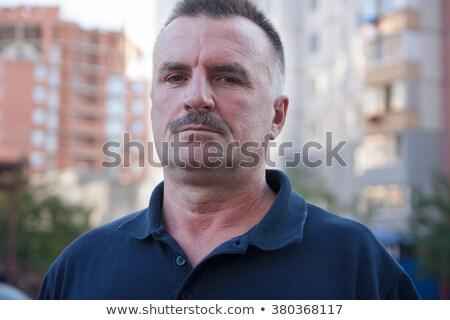 senior · man · permanente · buiten · huis · voordeur - stockfoto © is2