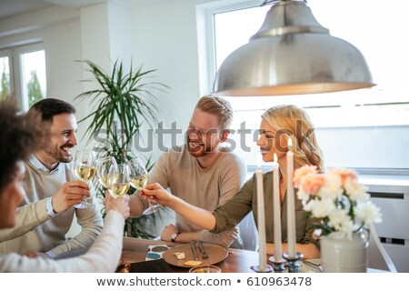 arkadaşlar · akşam · yemeği · restoran · içecekler - stok fotoğraf © kzenon
