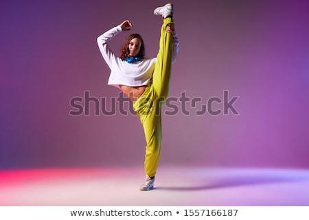 Tancerz stwarzające nogi młodych piękna kobieta Zdjęcia stock © feedough