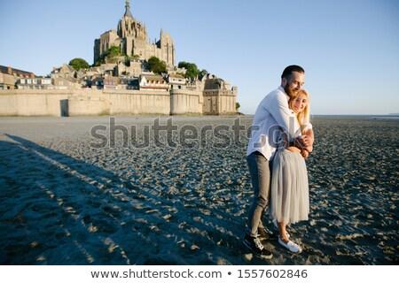 Stock fotó: Emberek · sétál · Normandia · Franciaország · égbolt · kék