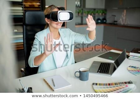 Fiatal kreatív kortárs designer néz virtuális Stock fotó © pressmaster