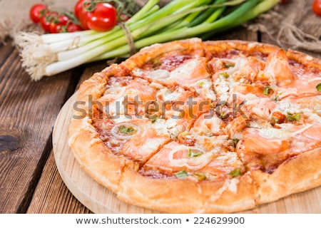 ízletes házi készítésű tengeri hal pizza lazac kert Stock fotó © karandaev