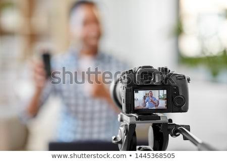 Mannelijke blogger camera kantoor bloggen mensen Stockfoto © dolgachov