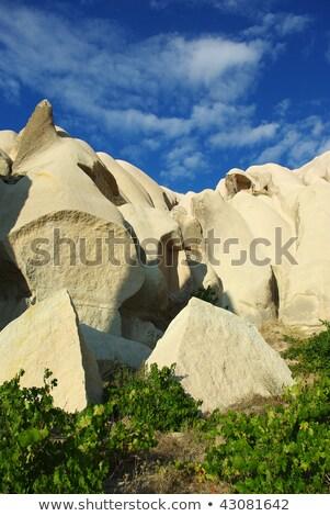 peri · kaya · oluşumu · mavi · gökyüzü · bulutlar · birkaç - stok fotoğraf © njaj