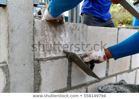 travailleur · de · la · construction · concrètes · main · mixeur · maison · industrie - photo stock © photography33