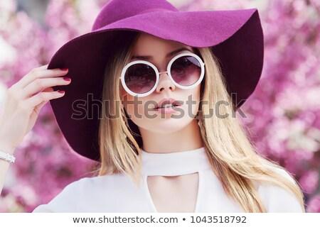 moda · donna · fiori · di · primavera · Hat · divertente - foto d'archivio © lunamarina