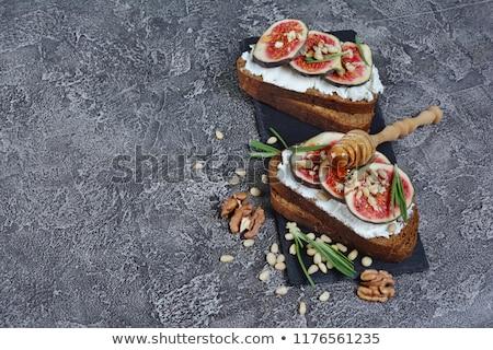 хлеб Сыр из козьего молока продовольствие обеда Салат Сток-фото © M-studio