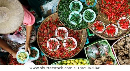 Foto stock: Tailândia · mercado · comida · foco · alho · mulher