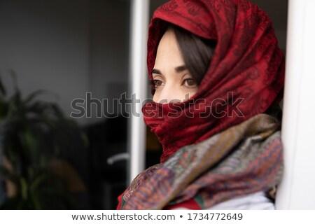 Ernstig naar vrouw make Stockfoto © Elisanth