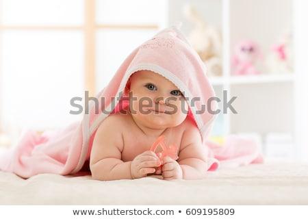 Cute bebé toalla mentiras sonriendo Foto stock © julenochek