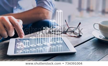 Stock fotó: üzletember · dolgozik · virtuális · diagram · hologram · üzletemberek