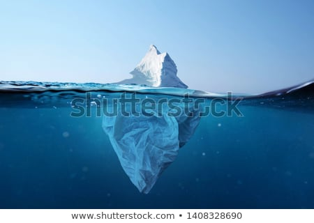 Sub apă vedere ocean adanc apă nori Imagine de stoc © colematt