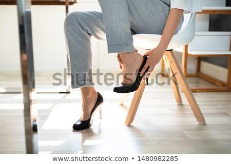 Zakenvrouw lijden been pijn schoenen jonge Stockfoto © AndreyPopov