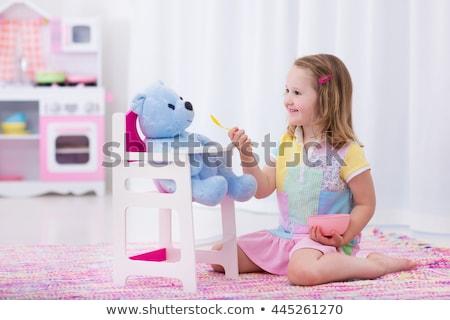 ragazza · ritratto · seduta · divano · home · istruzione - foto d'archivio © stuartmiles