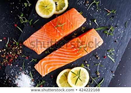 Saumon filet fraîches salade nid bleu Photo stock © Digifoodstock
