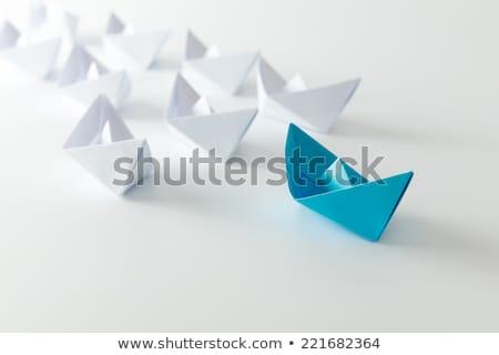 Führung Origami Schiff rot Papier führend Stock foto © kenishirotie
