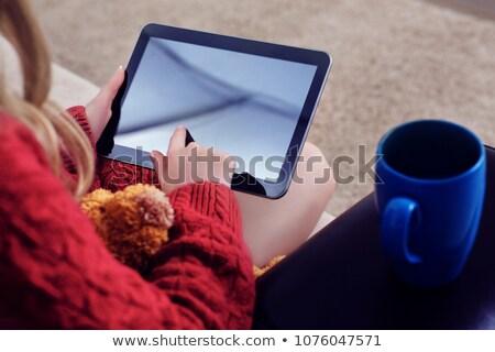 человек · цифровой · таблетка · стороны - Сток-фото © andreypopov