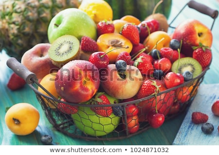 Panier fruits frais horizontal photo plein Photo stock © tab62